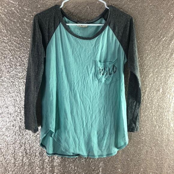 Free Kisses Tops - Casual Shirt
